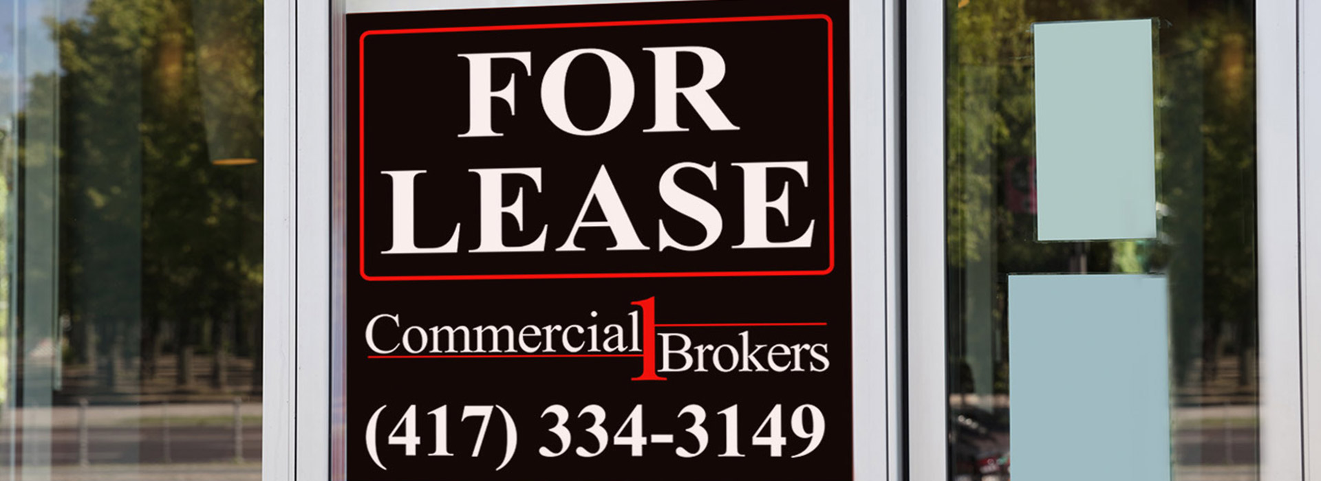 For lease sign on a commercial real estate building in Branson, MO.